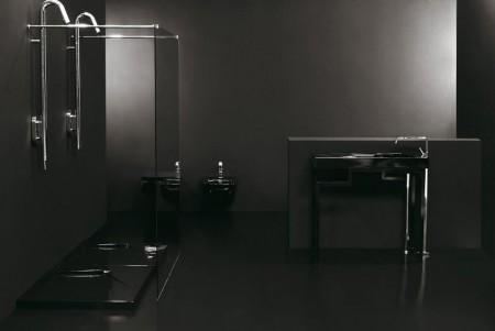 Все темные поверхности в комнате