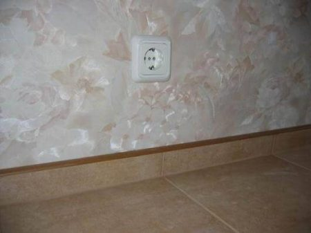 Керамический плинтус напольный и для ванной: фото и видео укладки, выбор