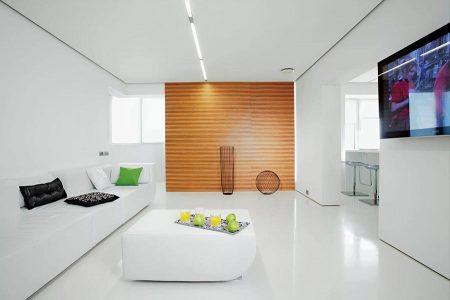 Белый матовый пол в интерьере в стиле минимализм